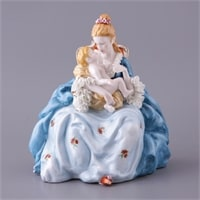 Фарфоровая статуэтка «Дама с младенцем» (серия «Фарфоровые кружева»)