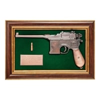 Панно с пистолетом «Маузер» в подарочной упаковке ПК-221