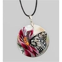 Кулон из перламутра «Бабочка на цветке»