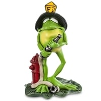 Фигурка лягушка «Пожарник» RV-299 (W. Stratford)